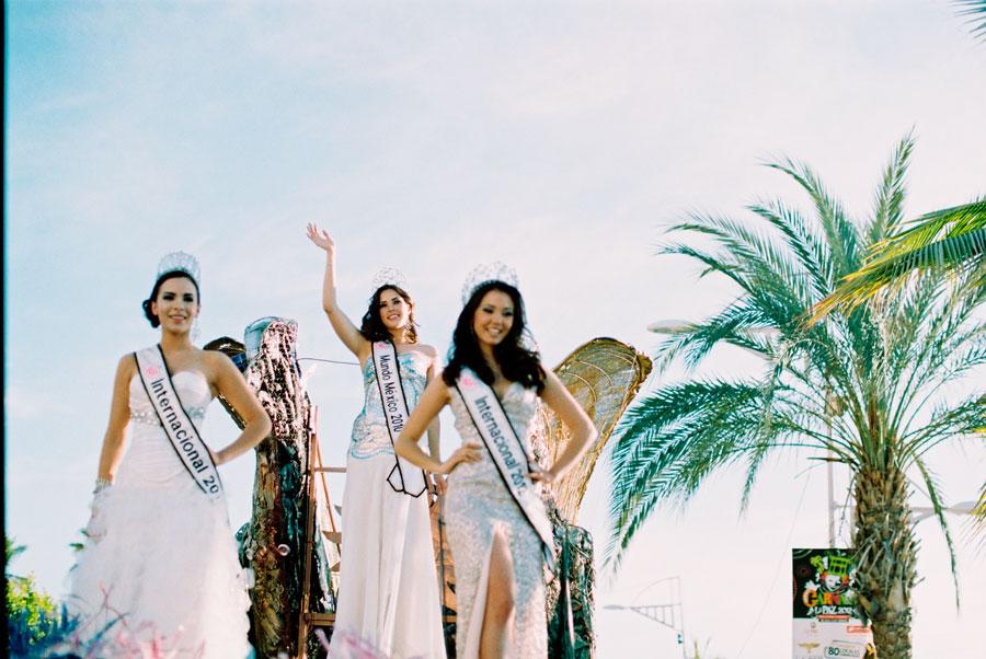02-carnaval.la.paz.mexico.desfile