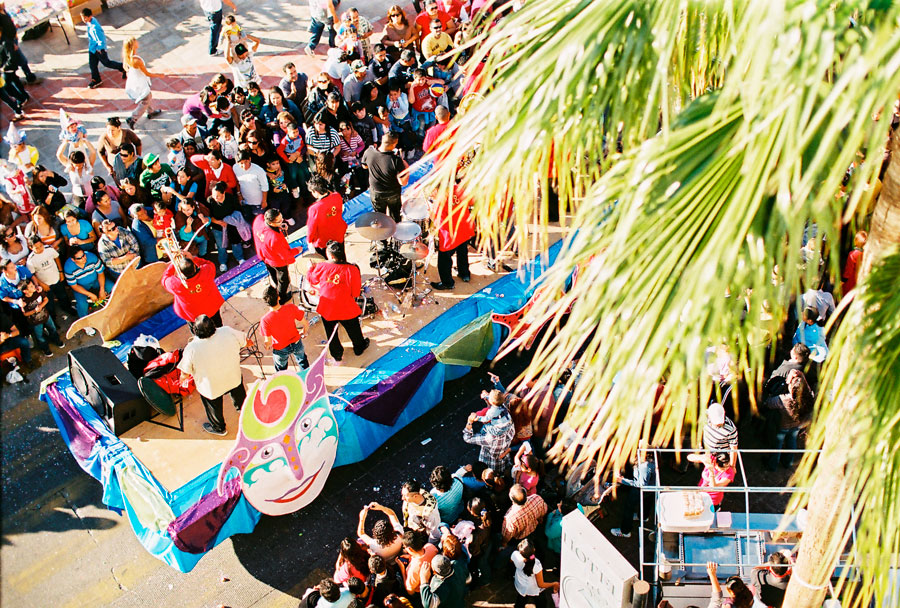 07-carnaval.la.paz.mexico.desfile